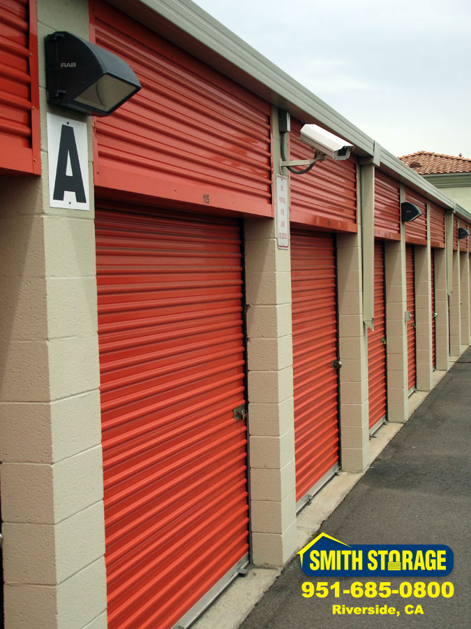What makes Smith Storage a top choice for self-storage units in Riverside? Our storage facility is loaded with the features iniduals families ... & Smith Storage: Affordable Self Storage Facility Building in Riverside CA